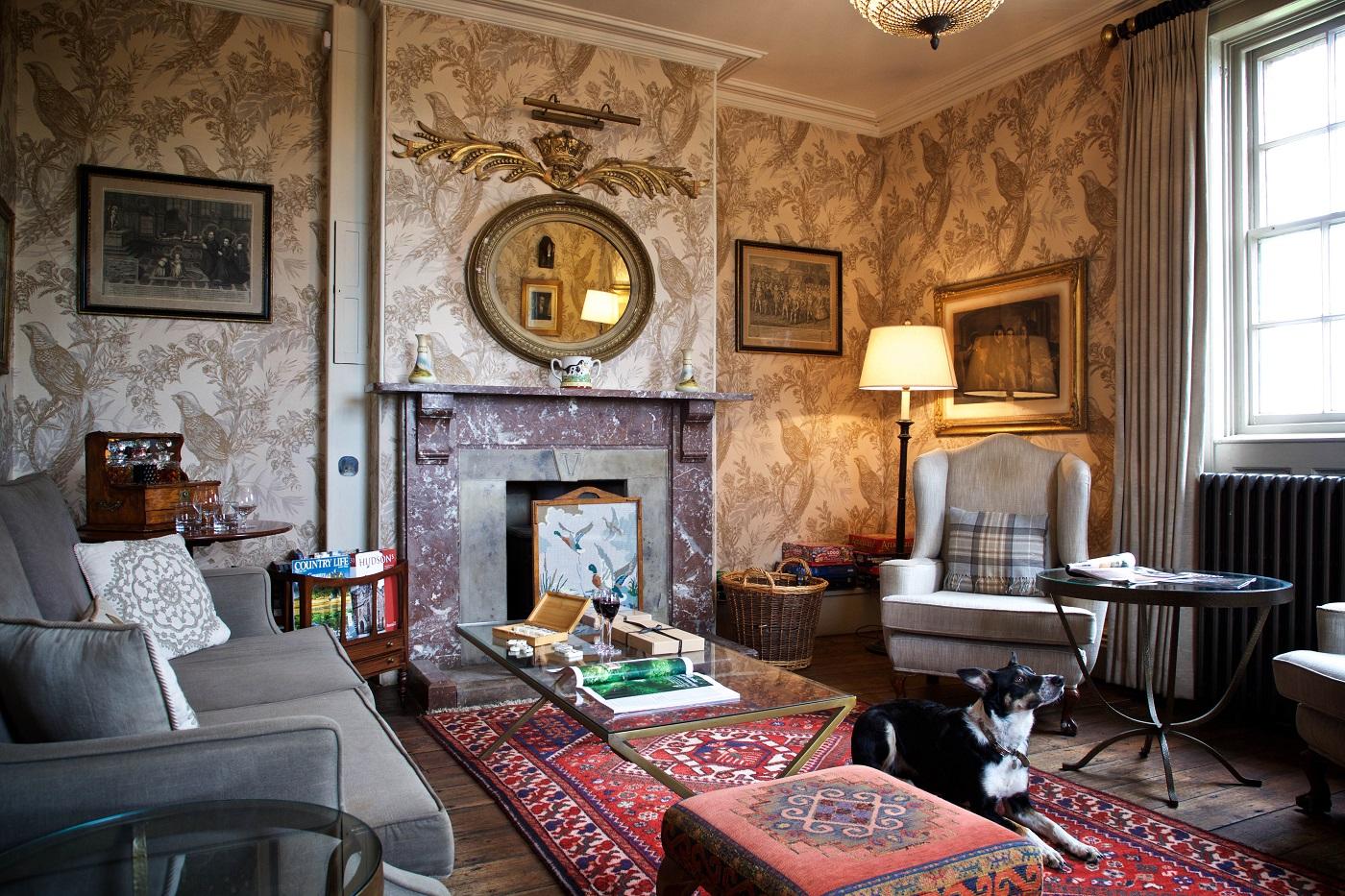 The Victoria Inn lounge
