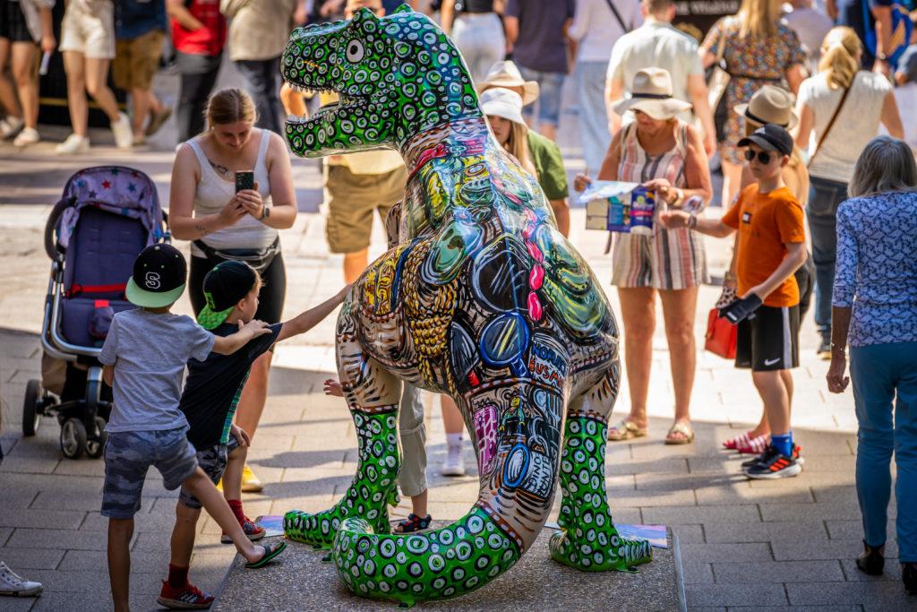 GoGoDiscover T.rex sculpture